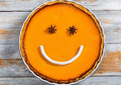 smiley face pumpkin pie